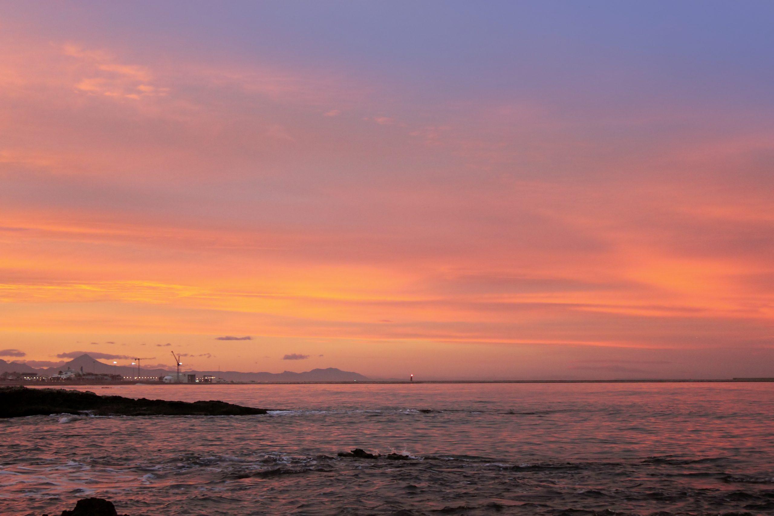 increible puesta de sol en denia playa